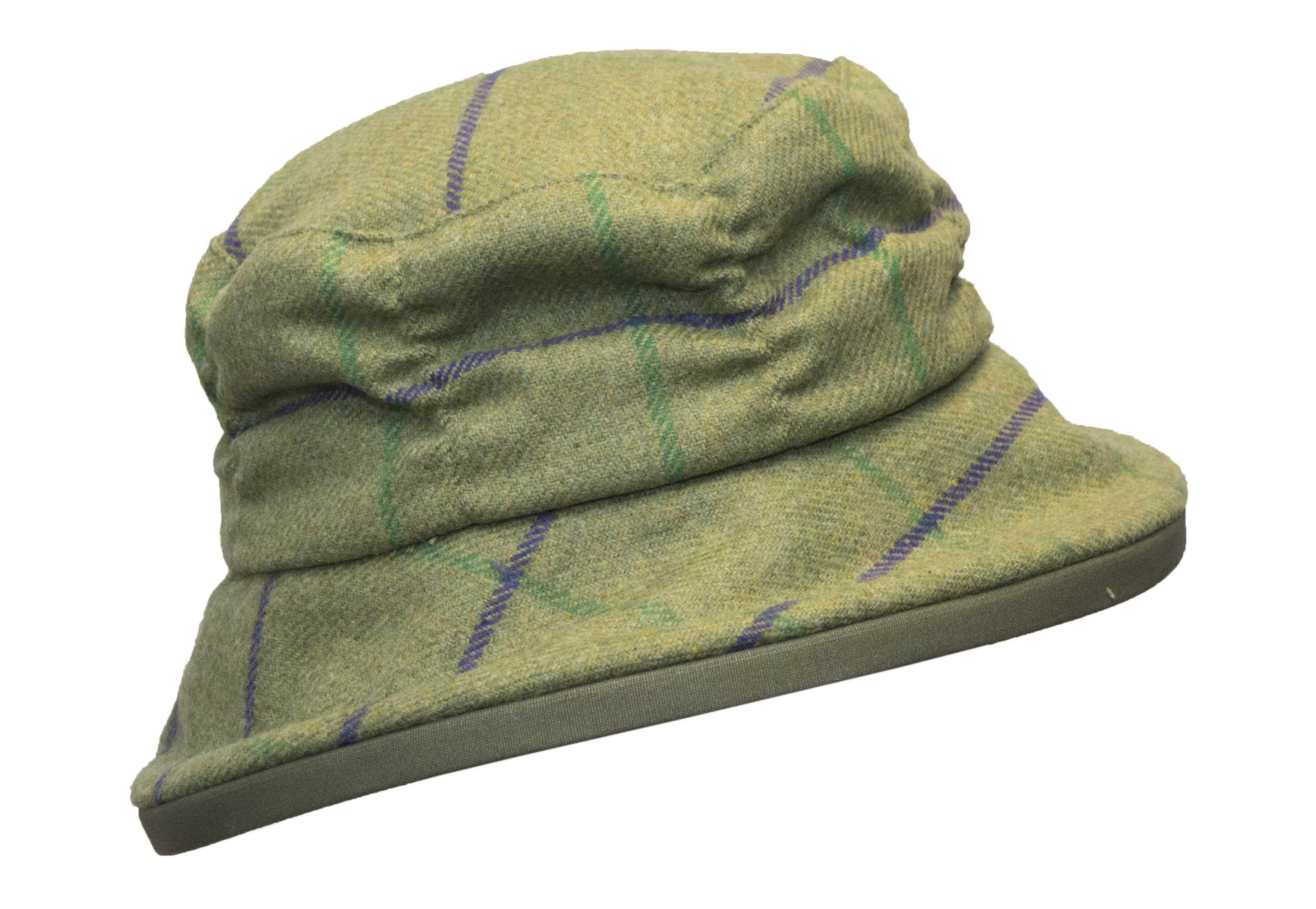 Chapeau femme en tweed vert et mauve